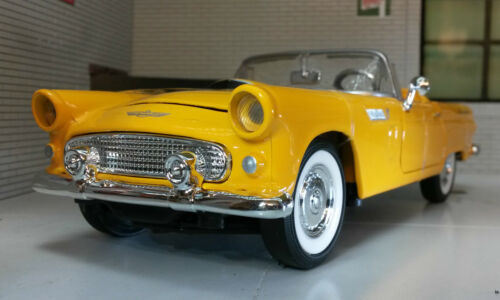 124 Scale 1956 Ford Thunderbird Convertible Motormax Diecast Car Yellow 73215