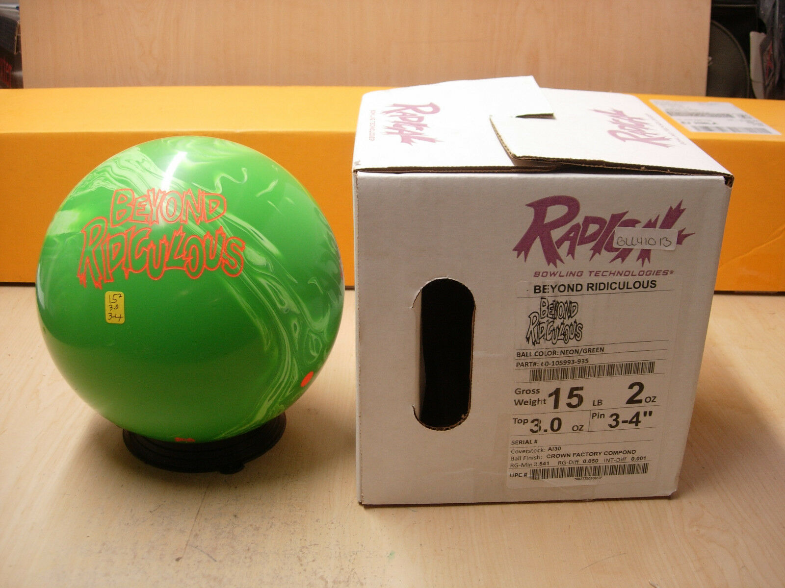 15oz NIB Radical BEYOND RIDICULOUS Bowling Ball