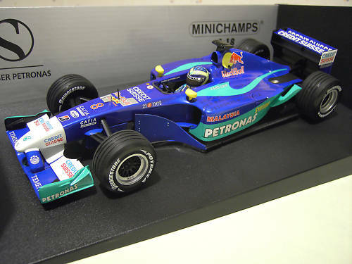 F1 SAUBER PETRONAS de 2002 C21 MASSA   8 au 1 18 MINICHAMPS 100020008