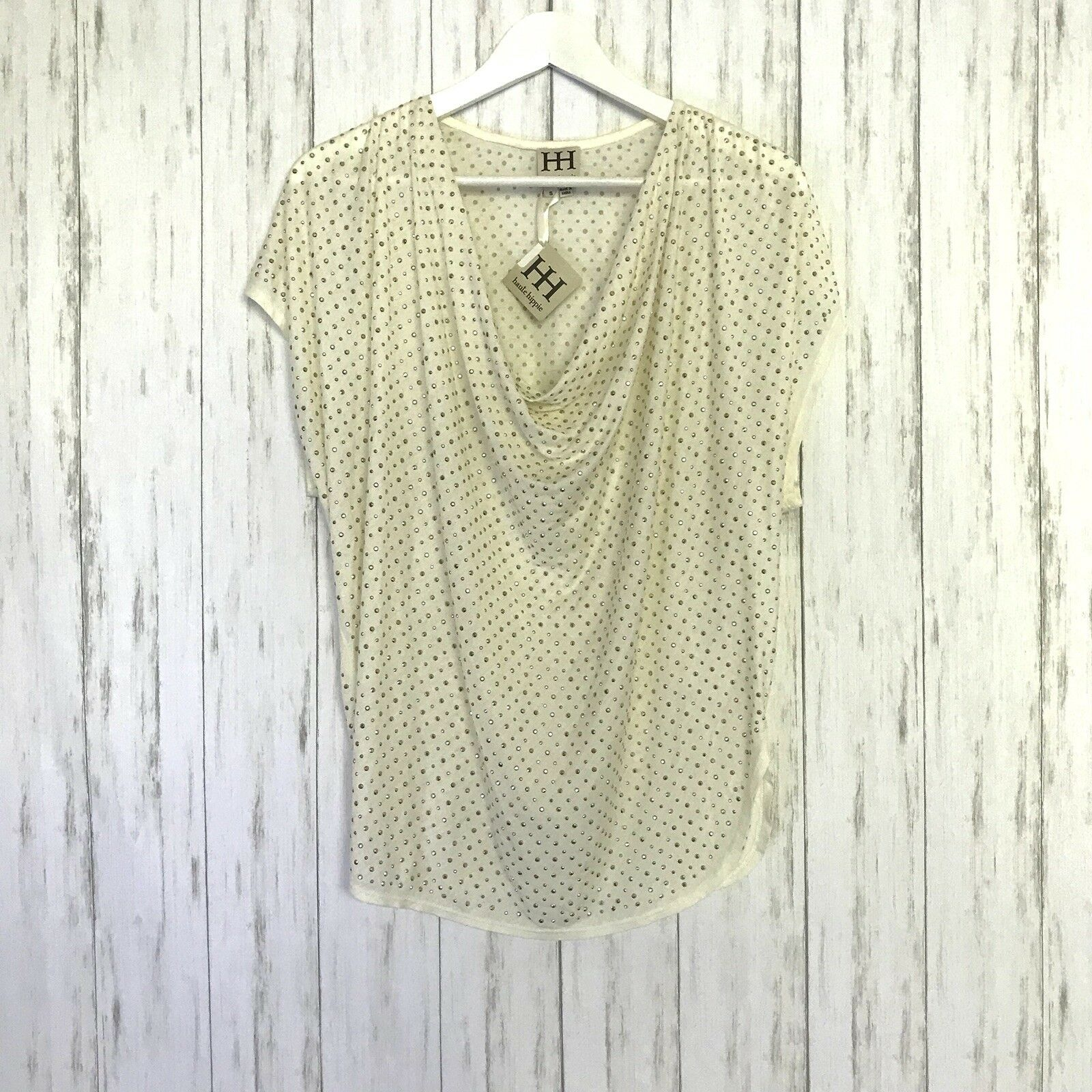NWT Haute Hippi Sz Small Off Weiß Gold Studded Cowl Neck Top Short Sleeve