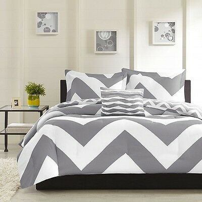 New Luxurious Reversible 4-Piece Queen Size Bed Comforter Set Bedding Grey White