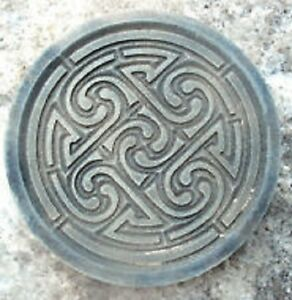 Celtic-knot-plaque-plastic-mold-for-plaster-concrete-10-034-x-3-4-034-thick