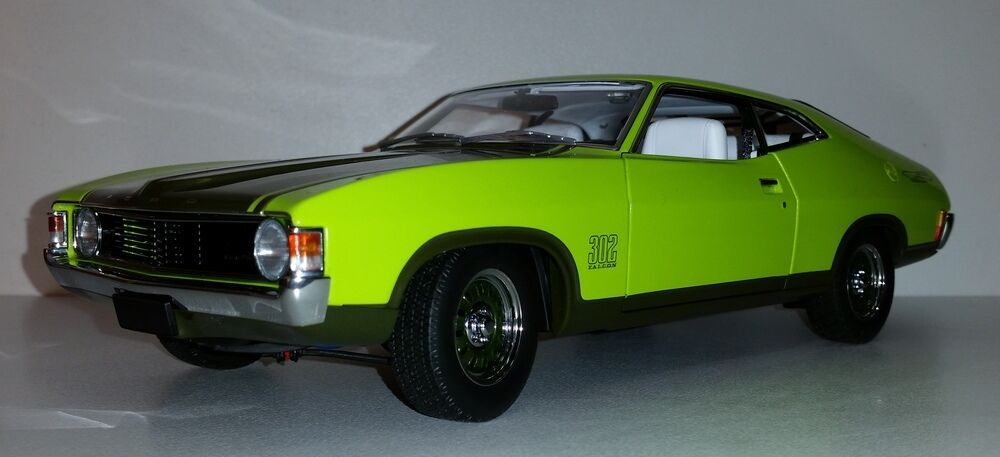 1:18 Scale Biante Ford XA Falcon Superbird - Lime Glaze with Jewel verde Accents