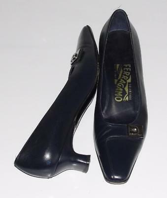 SALVATORE FERRAGAMO~NAVY *GANCINI HARDWARE* LOW HEEL PUMPS HEELS SHOES~7 2A