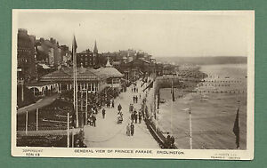 C1930-039-S-RP-POSTCARD-GENERAL-VIEW-OF-PRINCE-039-S-PARADE-BRIDLINGTON-BUSY-SCENE