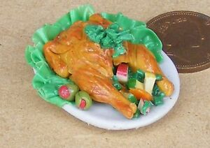 1:12 Scale Roast Chicken On A Ceramic Plate Dolls House Miniature Kitchen Food W