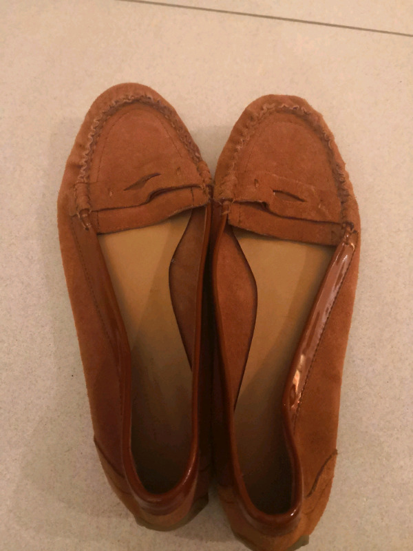 2 pairs of Woolworth leather moccassins