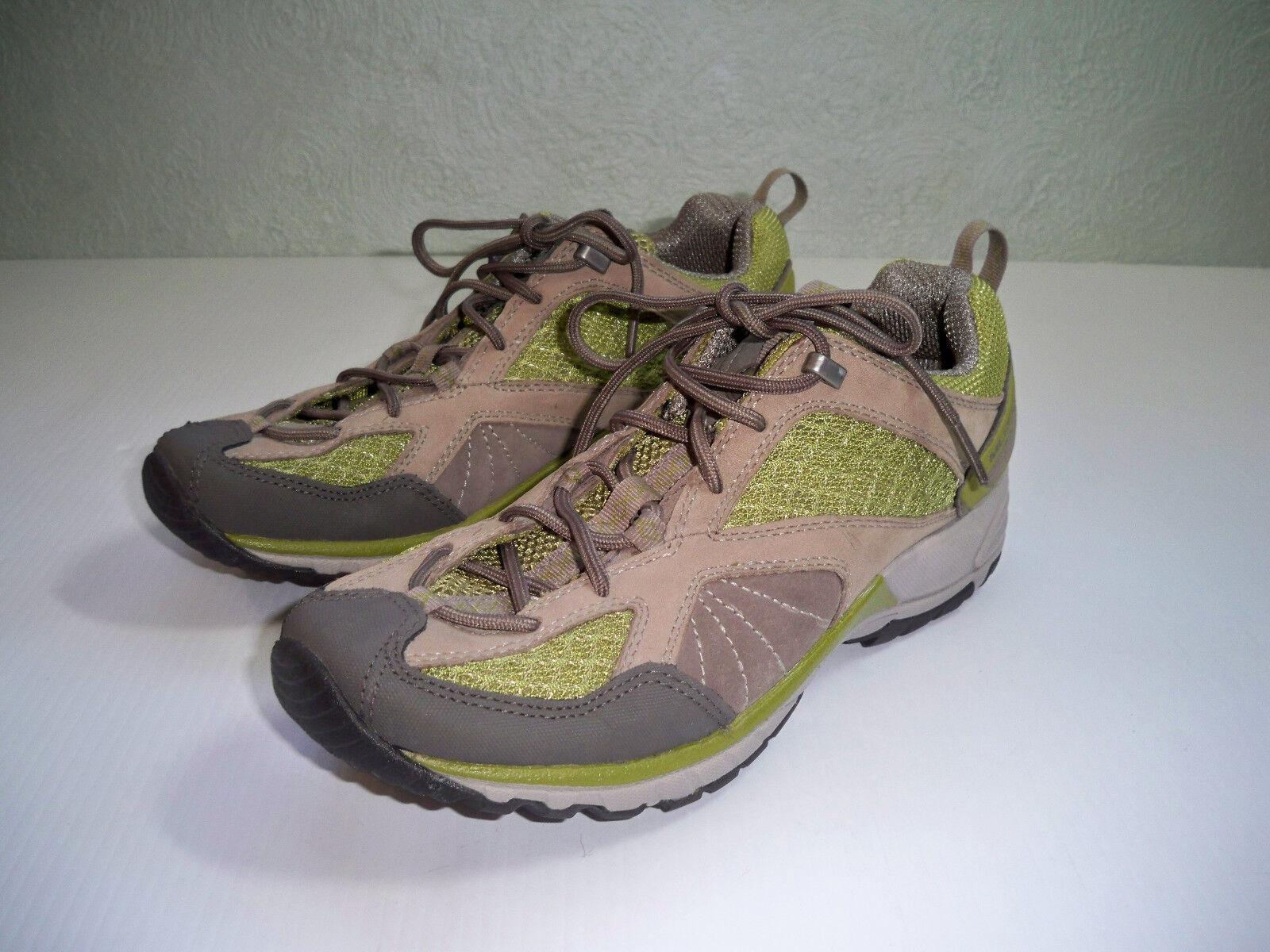 Merrel Womens Avian Lt Ventilator Waterproof  SZ 7.5 Hiking shoes EXCELLENT
