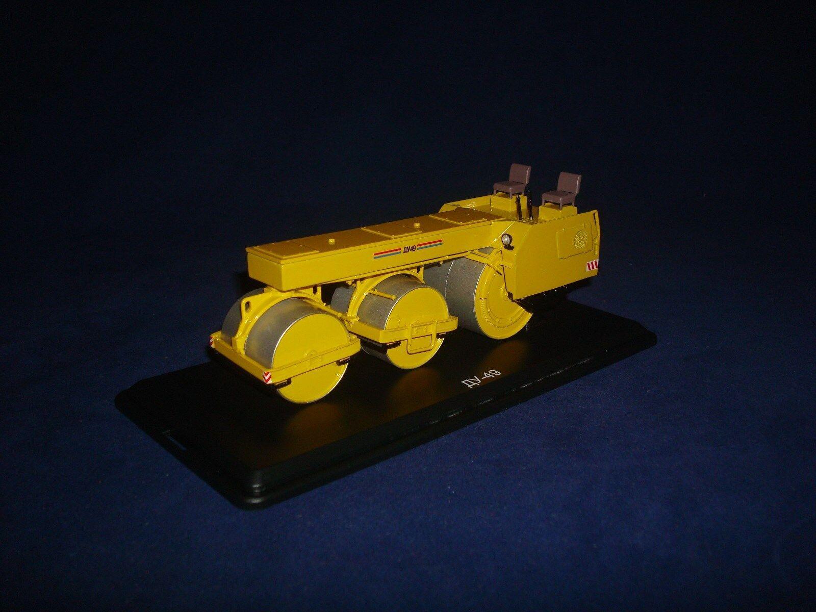 DU 49 ASFALTO Roller Arancione SSM8002 1 43
