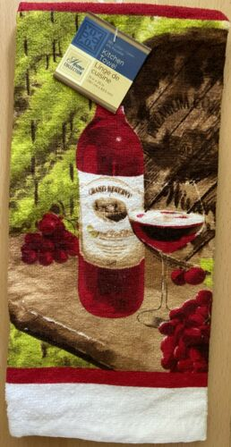 "15/"" x 25/"" Printed Kitchen Dish//Hand Towels Wine Bottle /& Glass"