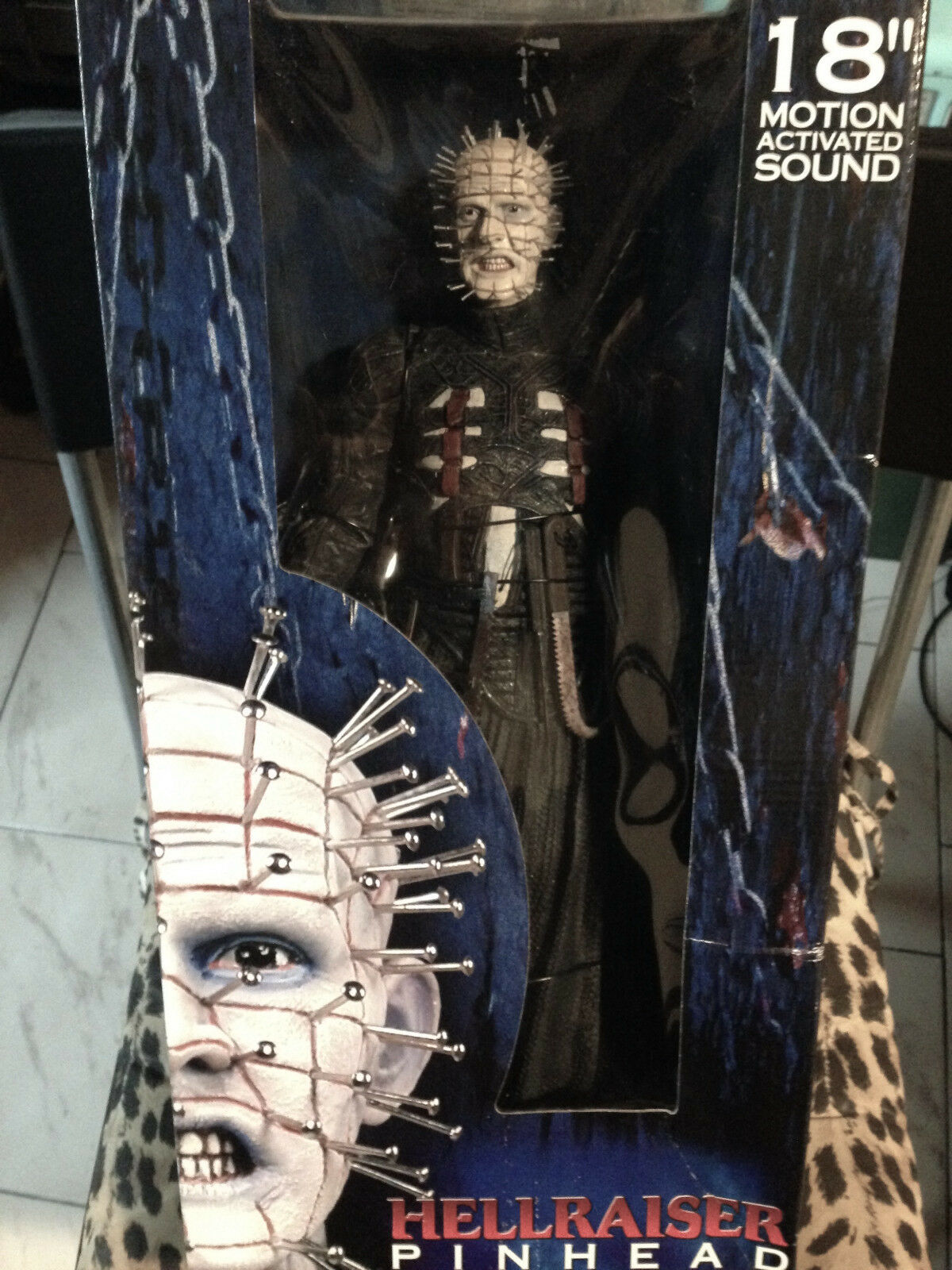 HELLRAISER PINHEAD 18  Figura MOTION ACTIVATED SOUND NEW SEALEAD BY NECA