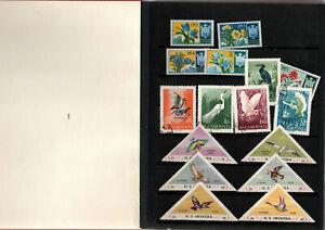 Petit-album-contenant-timbres-varies-monde