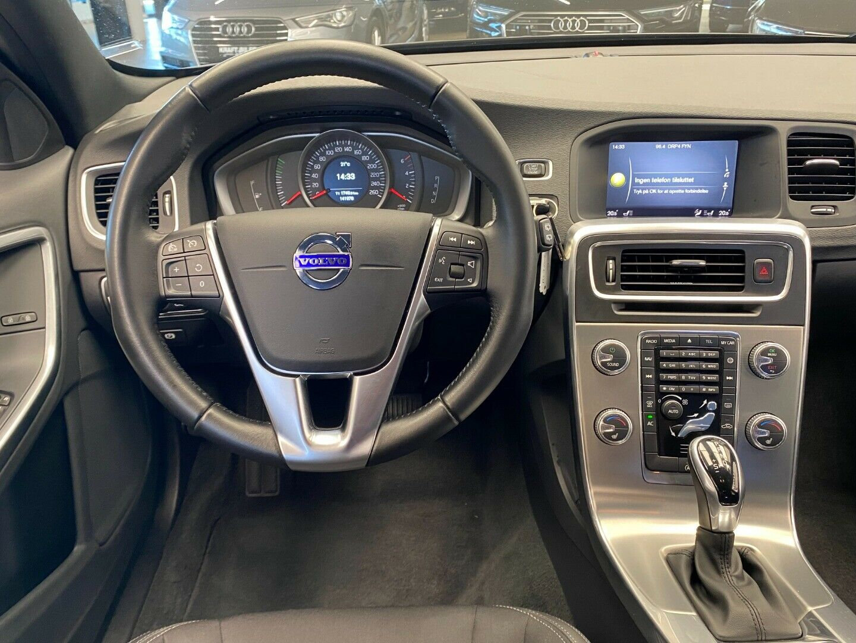 Billede af Volvo V60 2,0 D3 150 Momentum aut.