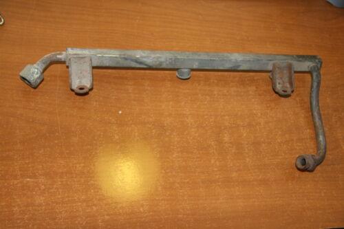 PORSCHE 911 type 3.2 1984.1989.rampe injection coté droit..930 110 308 04