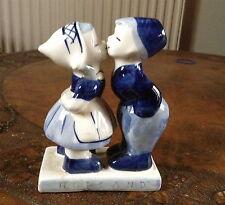 Vintage Delftware kissing couple