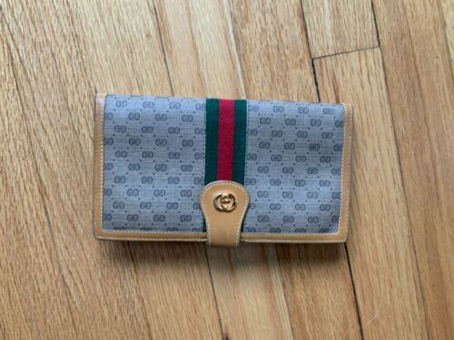 Authentic Vintage Gucci Leather Check Wallet - Cl… - image 1