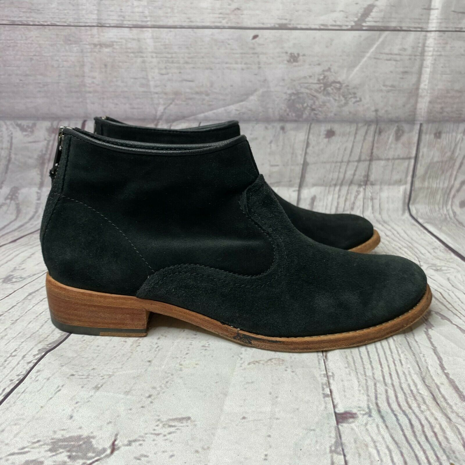 Johnston & Murphy Womens Black Suede Round Toe Zip Ankle Booties Size 7.5