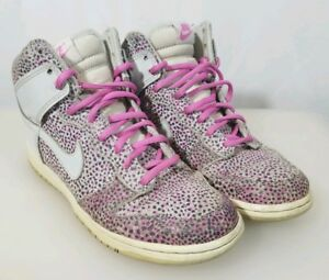 get cheap 4d401 078a1 Image is loading Nike-Dunk-SB-High-Top-Pink-Gray-Polka-