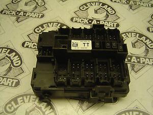 2011 11 cadillac escalade esv oem interior fuse box module image is loading 2011 11 cadillac escalade esv oem interior fuse