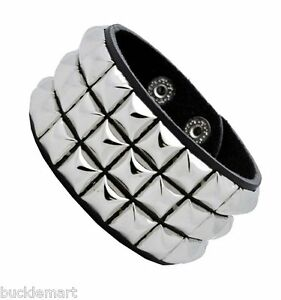 Silver-Pyramid-Studs-Wristband-80s-Gothic-Punk-Glam-Emo-Studded-Stud