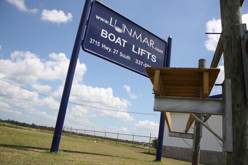 Lunmar Boat Lifts 4/' Dock Bracket