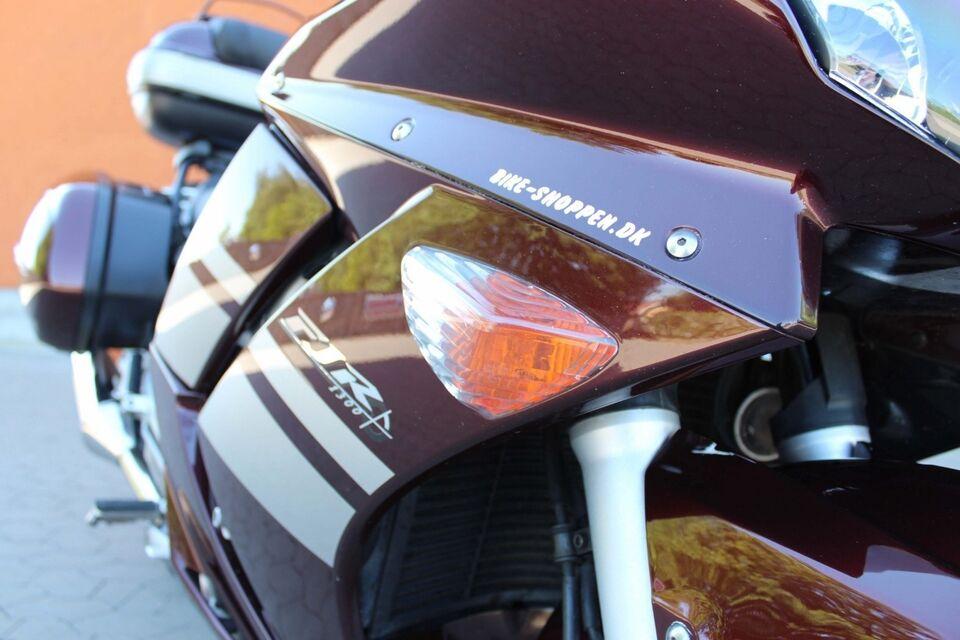 Yamaha, Yamaha FJR 1300, ccm 1300