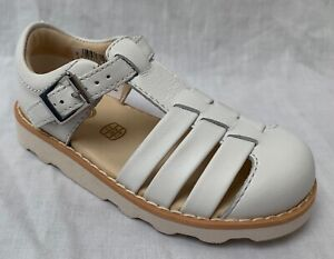 f06d8c1852ac1 BNIB Clarks Girls Crown Stem White Leather Air Spring Sandals F ...