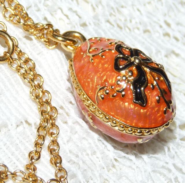 Lovely JOAN RIVERS Gold Tone Orange & Black Enamel Egg Pendant/Necklace  CC47