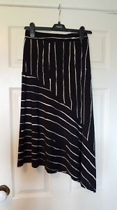 NEXT-size-6-black-and-white-striped-assymetric-stretch-skirt-with-side-split