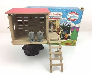 Vintage-Tomy-Sylvanian-Families-Treehouse-with-original-box-Baby-Owls