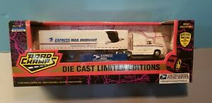 ROAD-CHAMPS-USPS-TRACTOR-amp-TRAILER-1-87-SCALE-DIECAST-METAL-MODEL