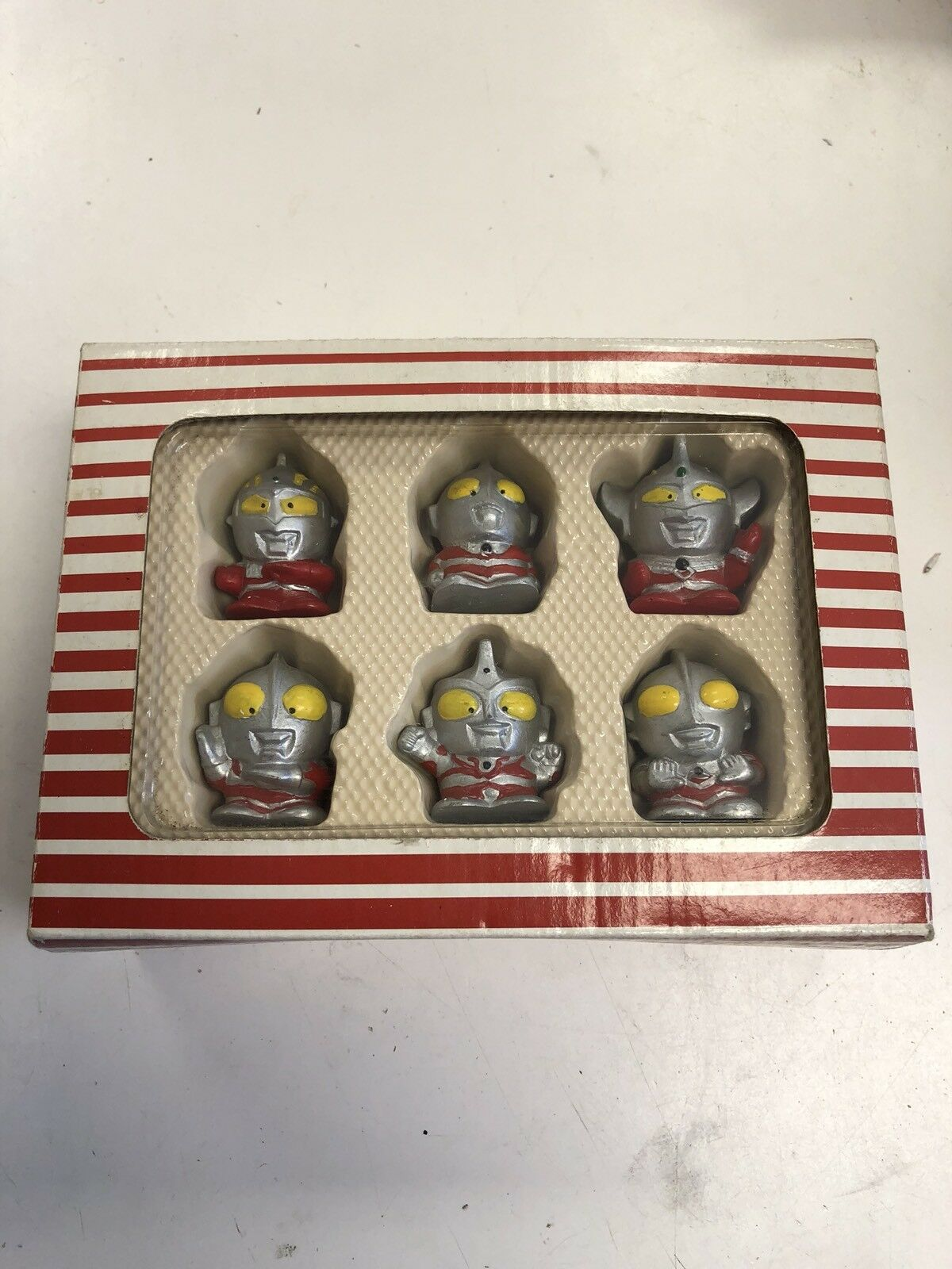 6 Ultraman Mini Figures L@@K