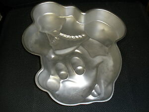 Wilton-Disney-7-MICKEY-MOUSE-Head-Cake-Pan-Band-Leader-515-302-Retired-face-Hat