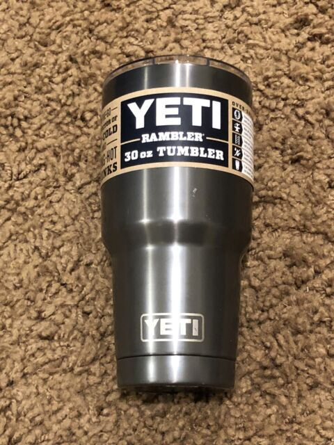 YETI Rambler 30 oz. Insulated Tumbler Graphite with Magslider Lid NEW