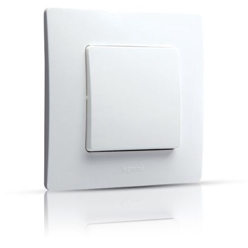 6 641 01 Lot de 4 Interrupteurs Va et vient NILOE blanc Legrand