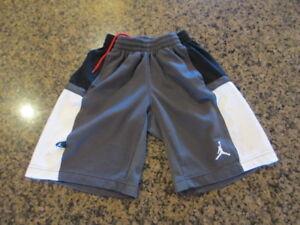 6b0478f957d Nike Air Jordan Boys S Small Black Mesh Basketball Shorts Gray ...