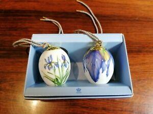 Royal-Copenhagen-Noble-Set-With-2-Easter-Iris-amp-Irisbluten-2-3-8in