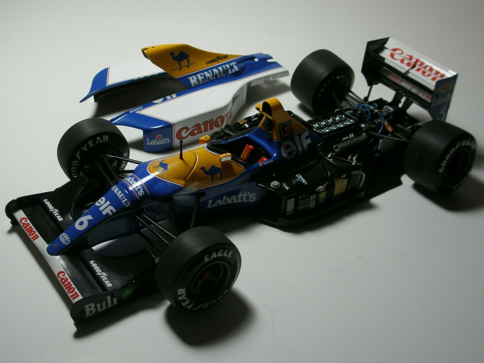 1 18 EXOTO WILLIAMS FW14B 1992 - RICARDO PATRESE