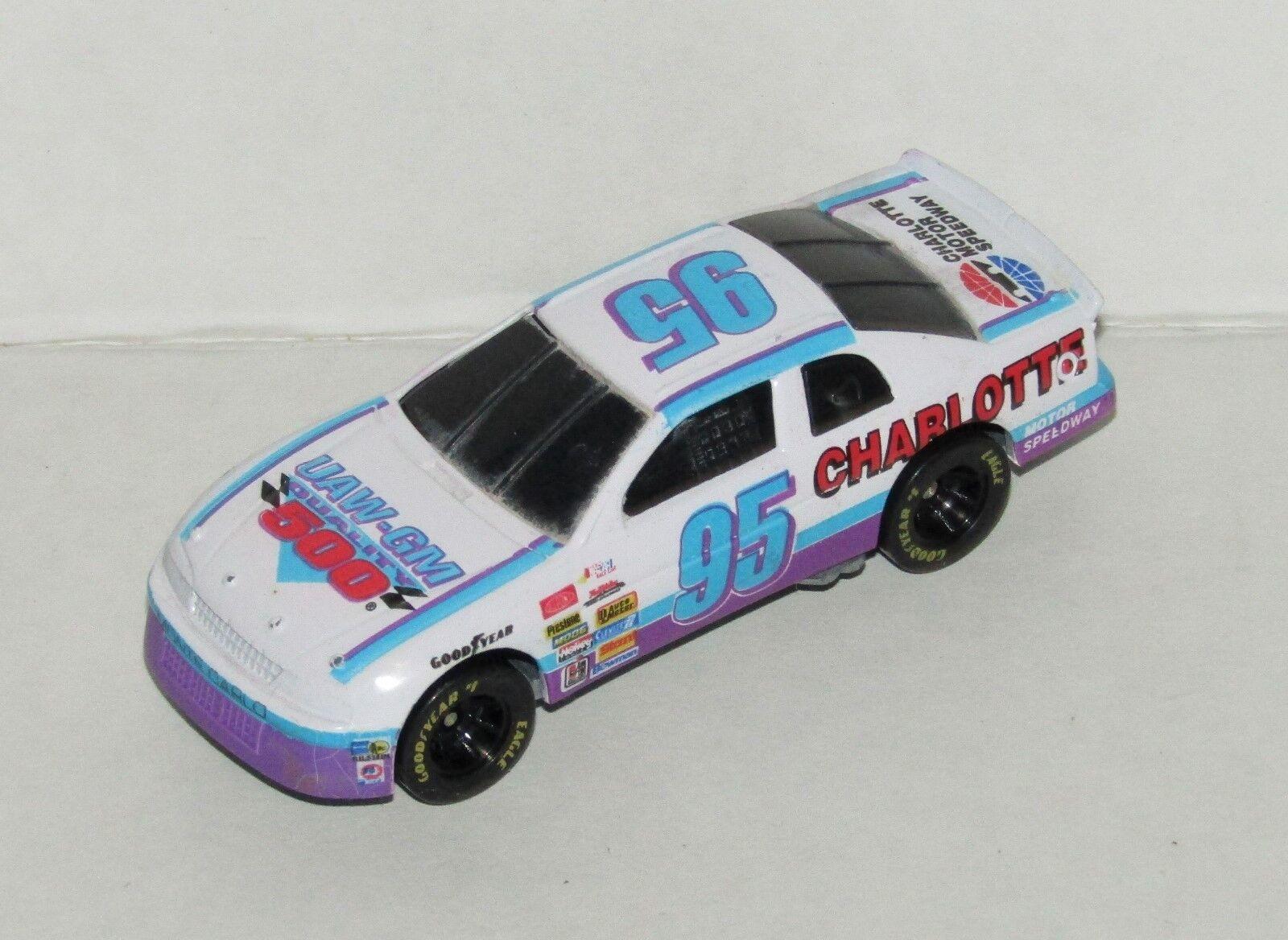 NASCAR Racing Champions 1995 Charlotte UAW-GM 500 Program Program Program Car 1 64 Diecast Car d579d7