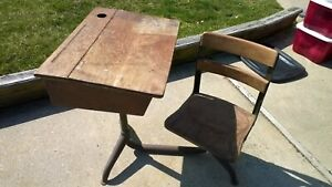 Details about Antique Student School Desk, Cast Iron, Wood Top & Chair  1940s. pick up only