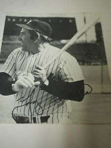 Yogi-Berra-Autographed-Press-Release-Photo-8x-10-034