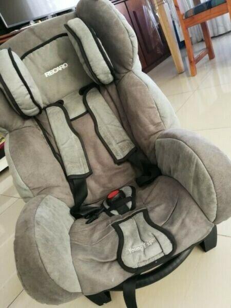 Recaro Young Expert Infant Car Seat