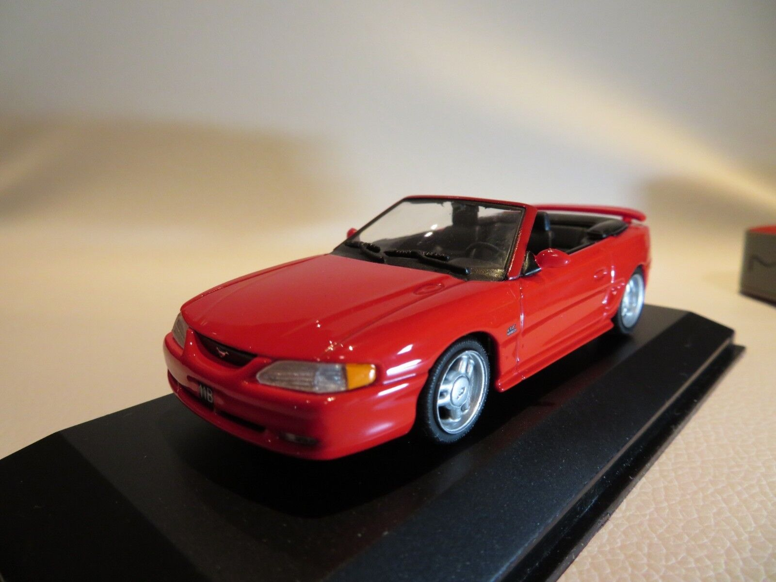 1 43 minichamps FORD MUSTANG CABRIOLET (1994) Diecast
