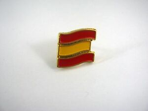 Vintage-Collectible-Pin-Red-amp-Yellow-Stripes-Flag-Design
