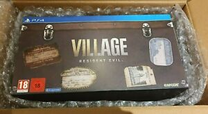 RESIDENT EVIL VILLAGE COLLECTOR'S EDITION PS4 - IN HAND