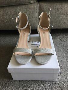 Quiz Wide Fit Silver Shimmer Mid Heel