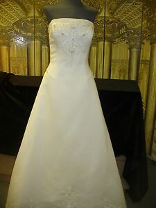 862ef1c0ad Image is loading Wedding-Gown-ANJOLIQUE-SIZE-10-LIGHT-IVORY-SATIN