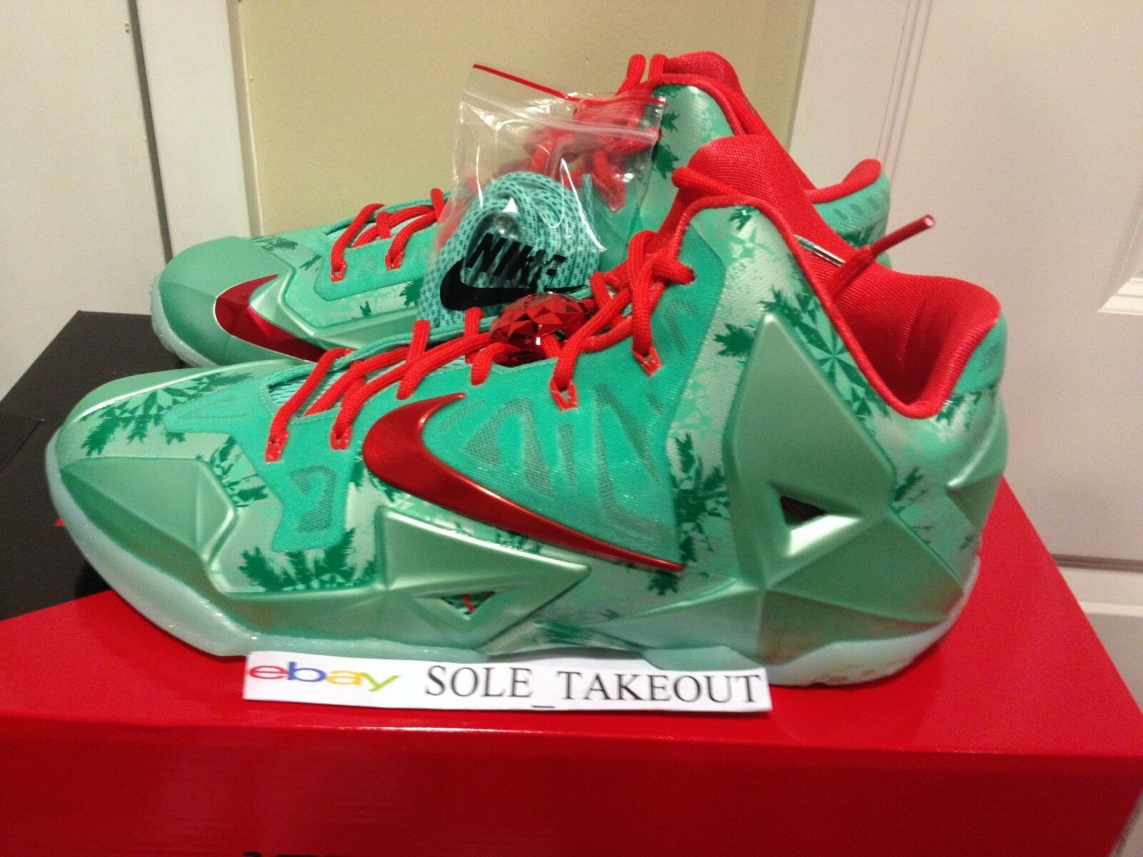 2014 NIKE Lebron XI 11 CHRISTMAS XMAS Green Red XMAS MEN SIZE  10-14