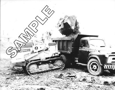 1956-1958 INTERNATIONAL S-Series Tandem Dump /& HOUGH H-12 Loader 8x10 B/&W Photo