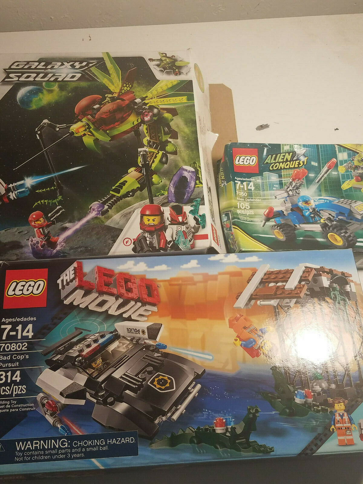 Lego Sets alien conquest 7050 Galaxy Squad 70702 Lego movie bad cop 70802